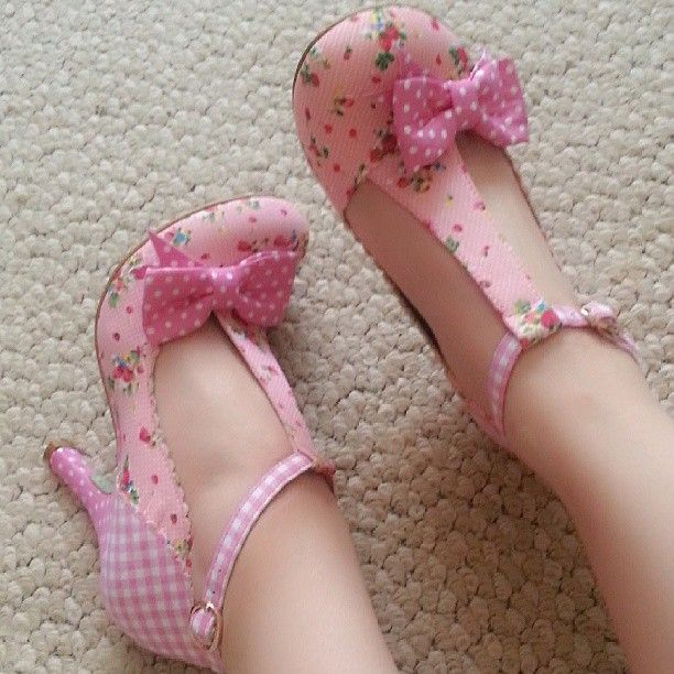 lorawin: Omgosh these heels are so cute♥ I got them brand new on ebay for only $32. They're the Bloxy heels by @J Clifford Cook Choice