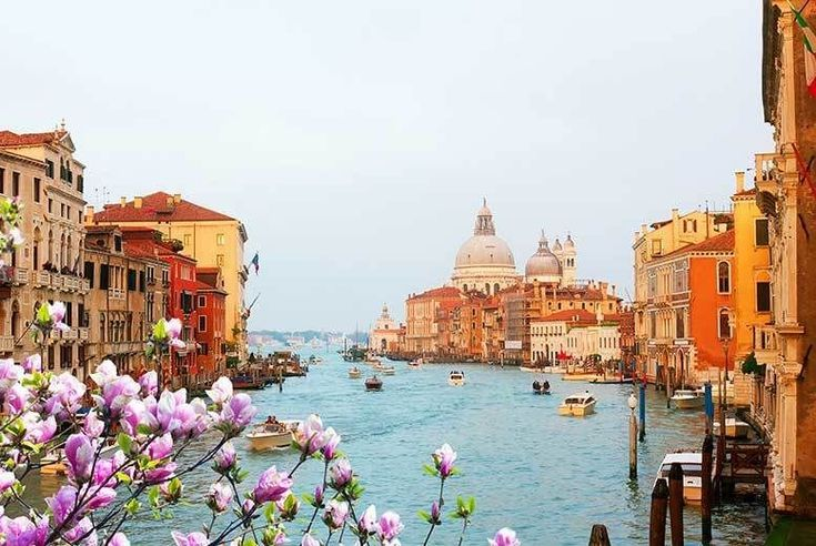 Discount 4-6nt Rome & Venice, Breakfast, Flights, Trains & Optional Boat Tour - 6 Airports! for just £129.00 Discover Italy on a four or six-night trip to Rome and Venice - explore the Colosseum, Pantheon, Grand Canal and Venetian Lagoon!  Includes daily breakfast and return flights from London Stansted, Gatwick, Luton, Manchester, Edinburgh and Bristol.  In Rome, stay at the contemporary MF...