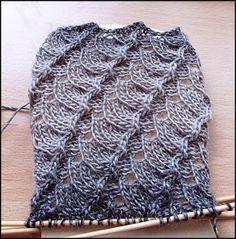 Bogensocken (Arbeitstitel), gesehen bei H. Mannila 54 Maschen Nadelspiel 2,5 Wolle: Zauberball Schokocreme Größe 36/37 Di...