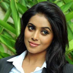 Shamna Kasim (Indian, Film Actress) was born on 23-05-1989.  Get more info like birth place, age, birth sign, biography, family, relation & latest news etc.