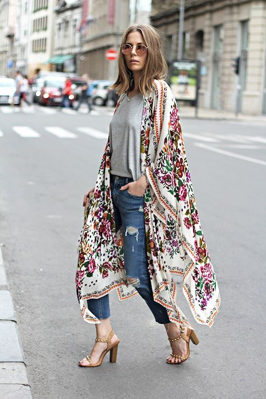 Photos via: Fashion and Style Blogger Vanja Milicevic has the modern boho look down to a science. Her casual cool look packs just the right amount of bohemian flair which consists of a colorful floral  Jeans