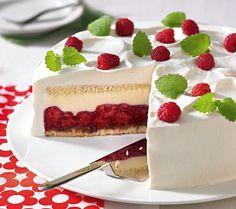 Himbeer-Mascarpone-Torte                              -                                  Eine verführerische Torte aus Biskuit, Himbeeren und einer Mascarponecreme