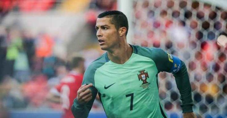 Portogallo Cile in diretta live streaming La FIFA Confederations Cup (in italiano Coppa delle Confederazioni FIFA), e` un torneo calcistico per squadre nazionali, organizzato dalla FIFA, che si svolge con cadenza quadriennale nell'anno prece #portogallo #ronaldo