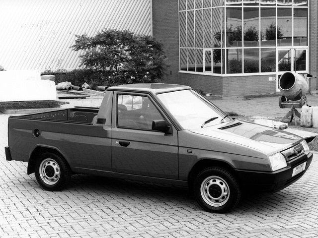Skoda Favorit Foreman II Pick-up (1991 – 1995).