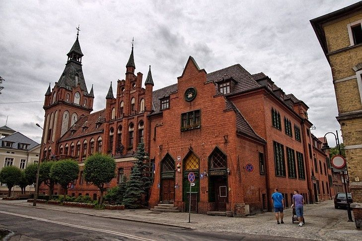 Ratusz w Lęborku – neogotycki ratusz w Lęborku wybudowany w 1900. Siedziba władz miejskich Lęborka.
