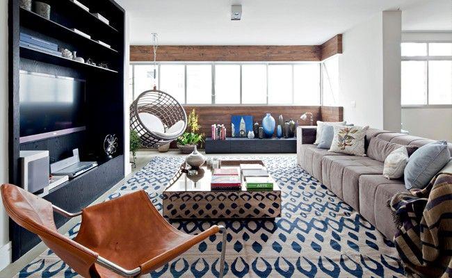 Reformado para um casal pela arquiteta Julliana Camargo, o apartamento de 180 m² dos anos 1960 recebeu as atualizações necessárias para a vida moderna. Agora, a família já pode crescer