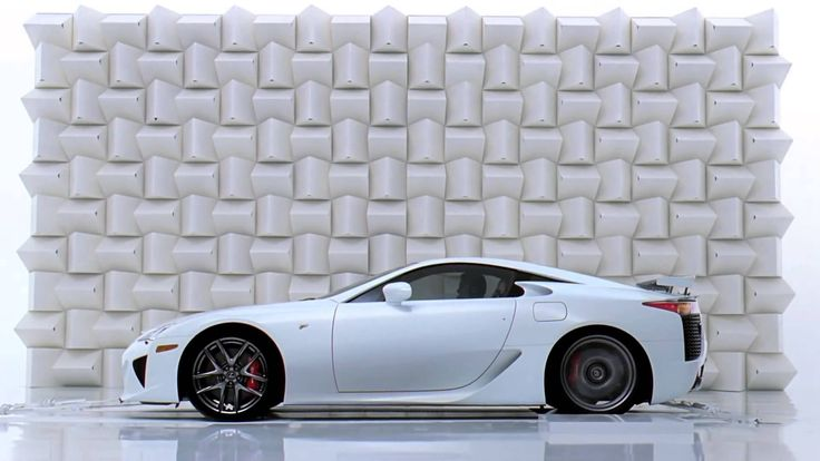 The first Lexus LFA TV commercial that aired in the US in 2010, showing the Lexus LFA breaking a champagne glass with its loud exhaust note. A great advert. #lexus #lfa #supercars