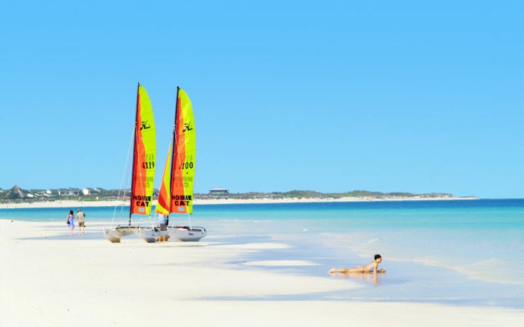 Rejs med Apollo til eksotiske Cuba til vinter, og nyd afslappende dage på stranden. Se mere på http://www.apollorejser.dk/rejser/nord-og-central-amerika/cuba
