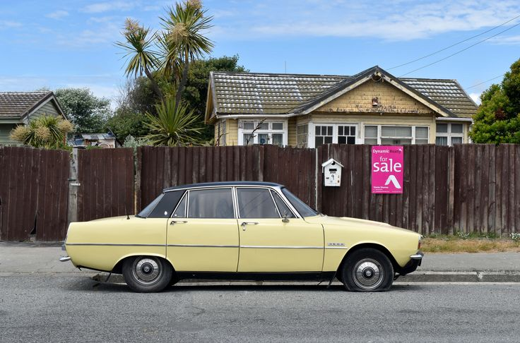 https://flic.kr/p/DHAK17 | 1973 Rover 3500 | The Cars of Christchurch, New Zealand