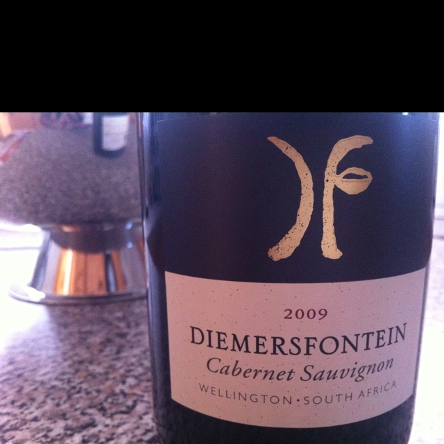 Let's try this wine out from @diemersfontein. I love their Pinotage too. Let's hope the cab is good too.