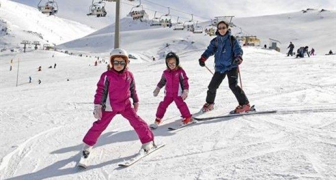 Las estaciones de esquí de España celebran el Día Mundial de la Nieve http://www.rural64.com/st/diamundialdelanieve/Las-estaciones-de-esqui-de-Espana-celebran-el-Dia-Mundial-de-la-Nieve-2809