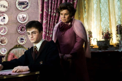 """""""I must not tell lies."""" Harry and Professor Umbridge. :/ (Harry Potter and the Order of the Phoenix)"""