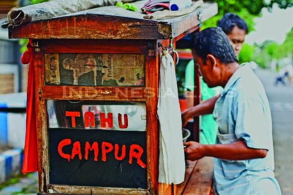 Tahu Campur Seller, One of Many Street Foods in Indonesia