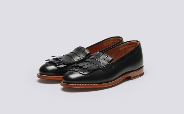 Womens Loafer in Black Calf Leather with a Leather Sole | Jenny | Grenson Shoes - Three Quarter View