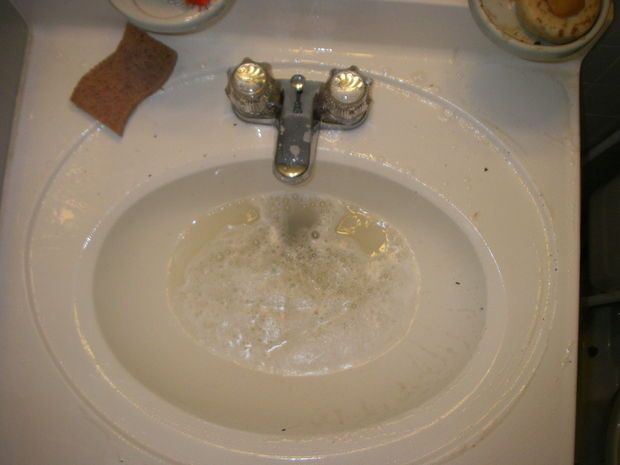 How to unclog a sink without chemicals. Step by step with pics. Even a dummy can do it. This dummy did. :-)
