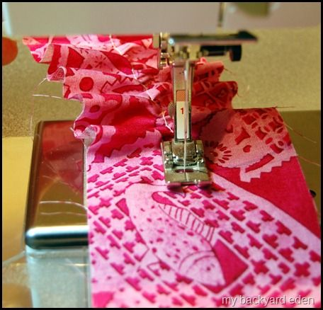 Get ruffling!Highest Tension Automatic, Stitches Length, Tension Automatic Gathering, Sewing Ruffles Tutorial, Longest Stitches, Tutorials Sewing, Ruffles Tutorials, Sewing Machine, Easy Ruffles