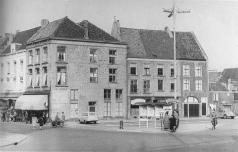 Ganzeheuvel. Links de Lange Hezelstraat 1955