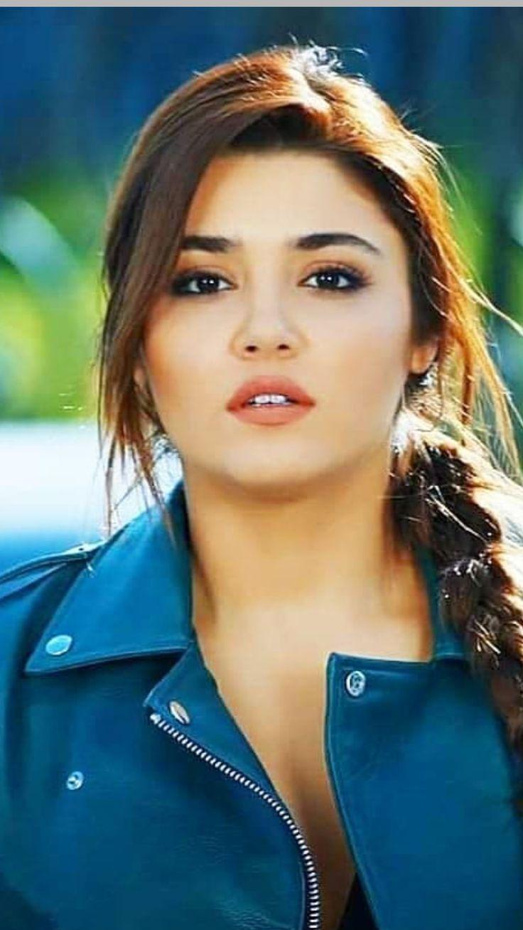 Hande Ercel Feet Turkish Actress
