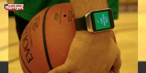 NBA'de akıllı saat ve bilekliklere yasak kararı geldi!: Sporcuların oldukça işine yarayan akıllı bileklik ve saatlere NBA'den yasak geldi. Oyuncular, #BundanSonra maç sırasında giyilebilir cihaz kullanamayacak.