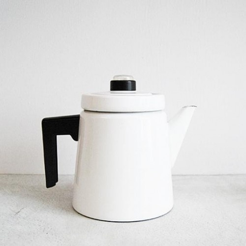Finel Pehtoori Pot. Design Antti Nurmesniemi. Just lovely <3