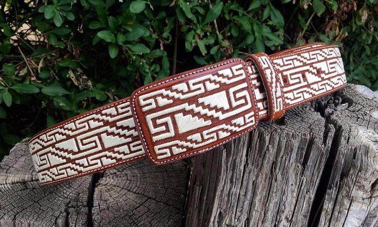 Un cinto tejido a mano en Pita es el regalo ideal para cualquier ocasión! Ordena el tuyo hoy!  #Cinto #TejidoAMano #TejidoEnPita #Pita #Piteado #PiteadoBelt #CintoPiteado #Belt #Authentic #MonturasYMonturas #Monturas #Accesorios