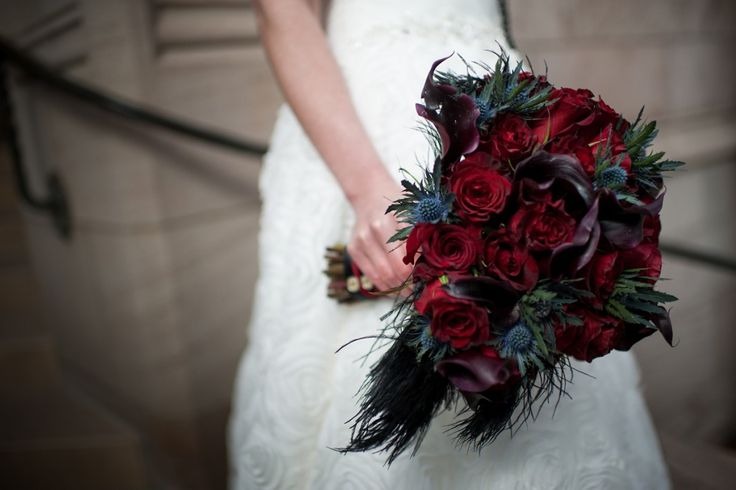 Red and Black bouquet flowers for goth wedding, schwarz-rotes Bouquet für Gothic Hochzeit