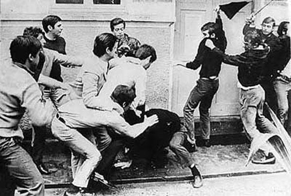 Confronto entre estudantes do Mackenzie e USP. Capítulo mais grave da disputa entre esquerda (USP) e direita (Mackenzie), ocorrido em 3 de outubro de 1968.