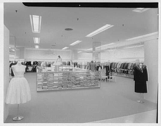 Bloomingdale's, business in Hackensack, New Jersey. Deb shop | Library of Congress
