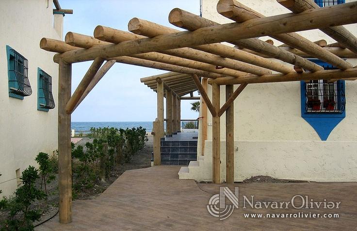 Pérgola decorativa en palo redondo tratado en autoclave by navarrolivier.com