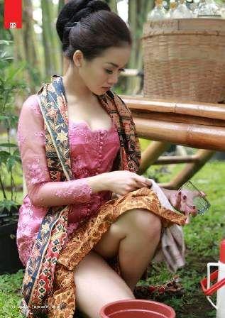 Gegerrr Dunia Maya Beredar Foto Penjual Jamu Cantik (Spesial YOUTUBE)