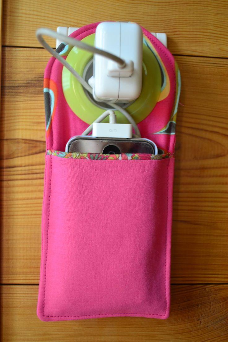 Station de recharge pour t l phone collection fraise for Bas de porte tissu