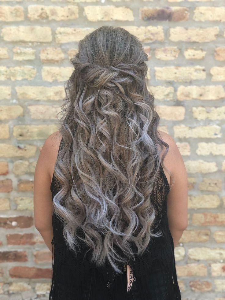 40 Pretty Prom Hairstyle Ideas For Curly Long Hair in 2020