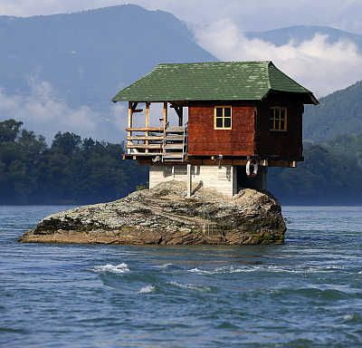 odd places odd houses | hile most of us live in normal houses, there are some who either ...