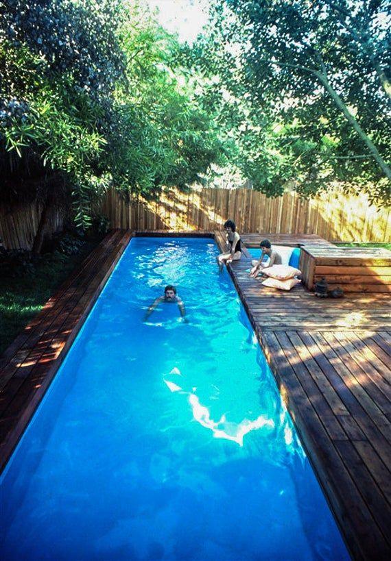 Bauen Sie Eine Runde Pool Und Spa Genau Wie Die In Diesem Bild Dieses Projekt Wurde Ursprunglich Im M Lap Pools Backyard Diy In Ground Pool Small Pool Design