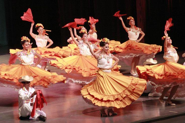 bailes-autoctonos-de-diversas-regiones-del-pais_50