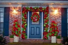 Resultado de imagen para puertas decoradas para navidad