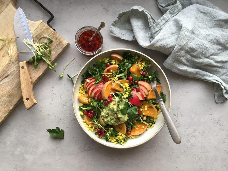 Gyllene durrasallad med pumpa, masserad kål, nötig avokadoröra och lingonvinägrett   Food Pharmacy   Bloglovin'