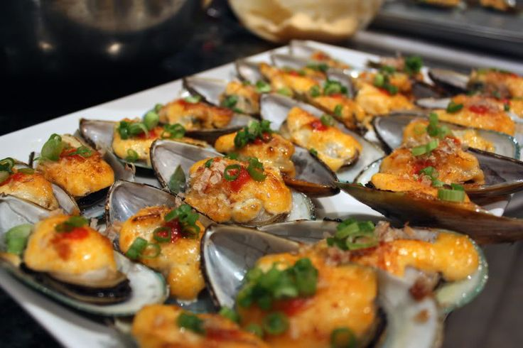 Baked dynamite mussels, I like to top mine with some eel sauce too