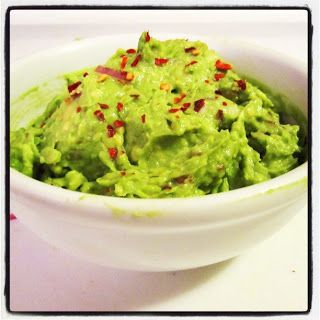 Why Should I make Keto Guacamole? The high fat ratio keeps you full! Ketoers know how important low-carb/high-fat foods like Avocados can be in curbing hunger.