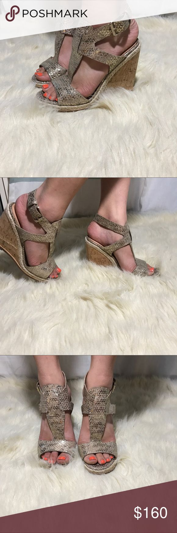 """⚡️Sigerson Morrison """"valina"""" metallic taupe wedges ✨BNWOB!✨   🛍2+ BUNDLE = 💰SAVINGS!  ‼️= PRICE FIRM!   💯BRAND AUTHENTIC   ✈️ SUPER FAST SHIPPING!   🖲 USE THE OFFER BUTTON TO NEGOTIATE!  ❓ Questions? Just comment! ❤️  🤗❤✌🏼HAPPY POSHING!✌🏼❤️🤗 Sigerson Morrison Shoes Wedges"""