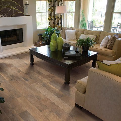 Pergo Crossroads Oak Laminate 5 1 4 Inches Wide 8mm At