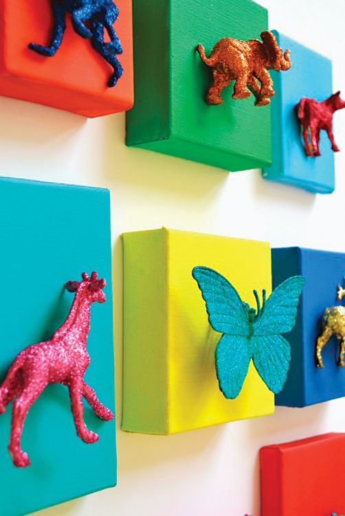 Glittered Animal Canvases | DIY Wall Art - could try mum's hair combs and knick knacks