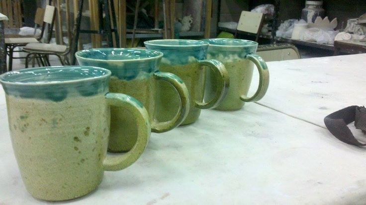 Tazas hechas en alfareria. 1040ªC