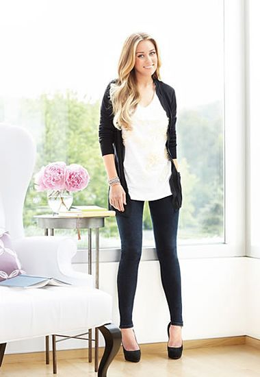 i cant come close to looking as good as she does in the leggings/jeggings!
