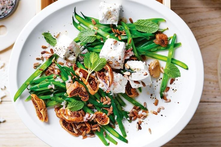 A healthy and light salad with a fruity, fig flavour.