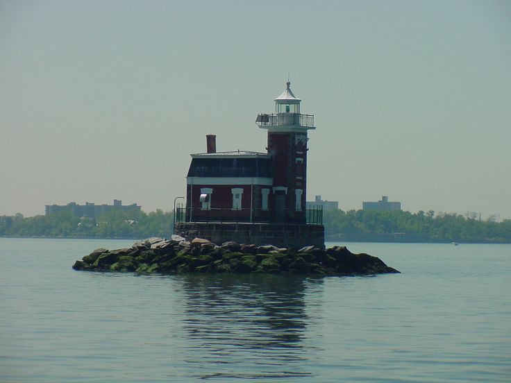 Pictures of lighthouses | ... united states lighthouse society website stepping stones lighthouse