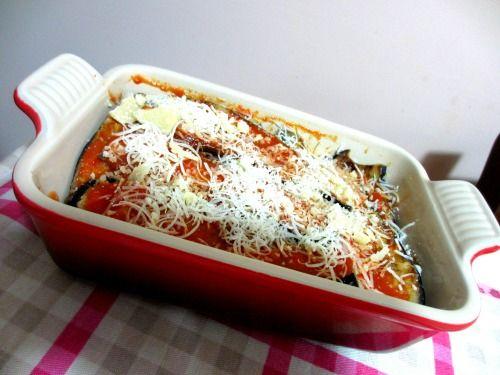 """Parmigiana di melanzane - ricetta tratta dal blog di Maria: """"http://maryentuttoditutto.blogspot.it/"""" Pirofila rettangolare in gres smaltato colore rosso @Le Creuset Italia #food #italianfood #parmigiana #melanzane #rosso #red"""