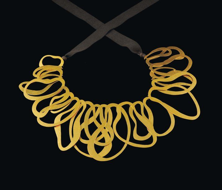 Necklace | Van Der Straeten. 'Spaghetti'.  Hammered brass and gold