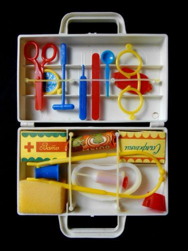 1970s-USSR-Russian-Soviet-PLASTIC-Toy-Set-Case-DOLL-S-DOCTOR-Unused-RARE