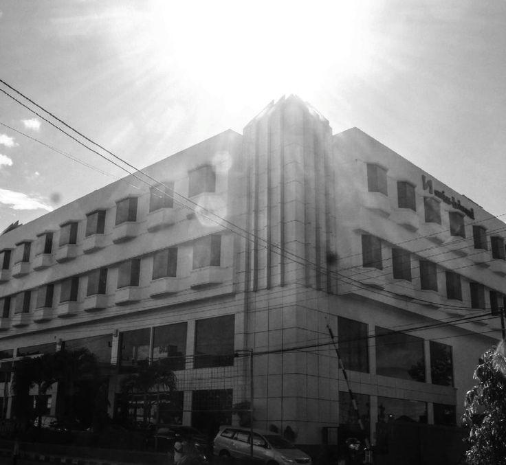The hotel.    @nikonteamofficial #nikonteamofficial #MyCityInBW  @yosephloli @elfisrio  @dally_mozartdy @aswan.ako @dikadkv